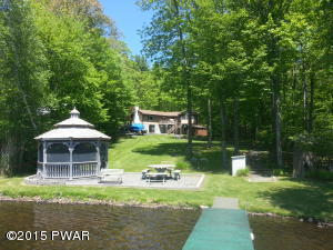 184 FAWN LAKE Dr, Hawley, PA 18428