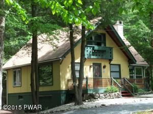 141 Wallenpaupack Dr, Greentown, PA 18426