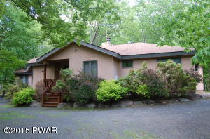 401 Canoebrook Drive, Lords Valley, PA 18428