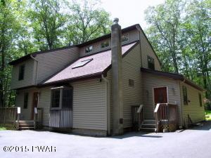 107 Shale Ridge Ct, Hawley, PA 18428