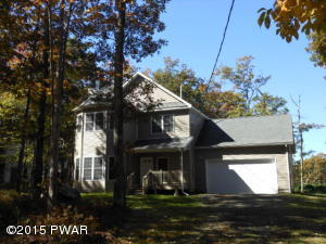 400 Surrey Dr, Lords Valley, PA 18428