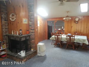 201 OAK HILL Rd, Hawley, PA 18428
