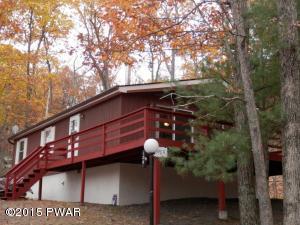 126 Plateau Dr, Lackawaxen, PA 18435