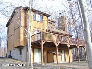 2956 Fairway Dr, Lake Ariel, PA 18436