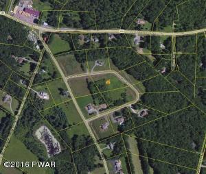 22 Kostige Rd, Lakeville, PA 18438