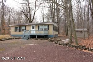 19 Windsor Rd, Hawley, PA 18428