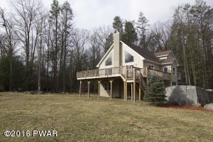139 Walnut St, Greentown, PA 18426