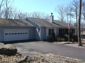 514 Mapleridge Dr, Lords Valley, PA 18428