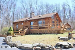 Impeccably maintained log home