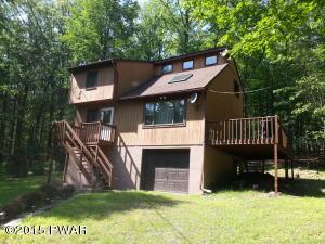 111 Cedar Ct, Hawley, PA 18428