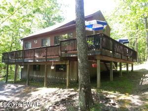 140 Oak Ridge Cir, Hawley, PA 18428