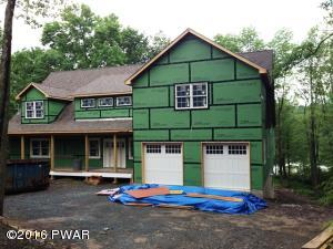 124 Forest Dr, Lords Valley, PA 18428