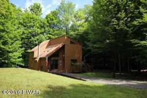 145 Fawnwood Dr, Greentown, PA 18426