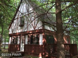 147 Lower Independence Dr, Lackawaxen, PA 18435