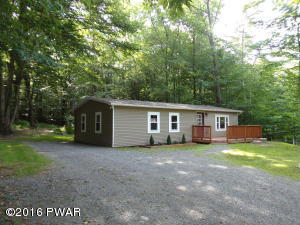 69 Windsor Rd, Hawley, PA 18428