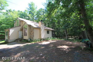 117 Bridle Rd, Lackawaxen, PA 18435