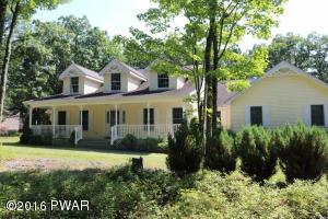 110 Gaskin Dr, Hawley, PA 18428