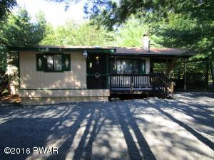 287 Powderhorn Dr, Lackawaxen, PA 18435