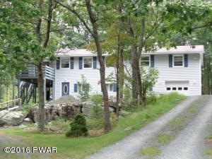 804 Harness Ct, Lords Valley, PA 18428
