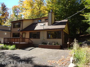 1044 Indian Dr, Lake Ariel, PA 18436