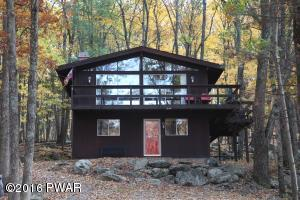 134 BAYBERRY Dr, Lords Valley, PA 18428