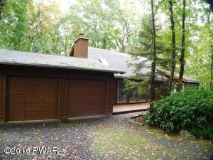 209 Canoebrook Dr, Lords Valley, PA 18428