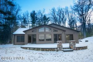 288 Fawn Lake Dr, Hawley, PA 18428