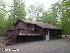 118 Deer Trail Dr, Hawley, PA 18428