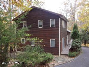 105 Rosewood Dr, Greentown, PA 18426