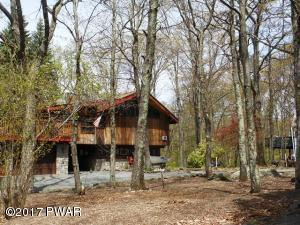 210 Broadmoor Dr, Lords Valley, PA 18428