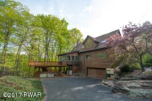 106 Willow Ln, Greentown, PA 18426