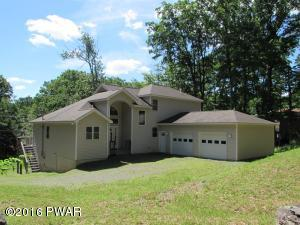 212 Waterview Dr, Lords Valley, PA 18428