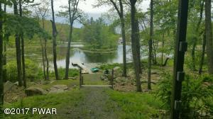 110 WIDGEON Ln, Lords Valley, PA 18428