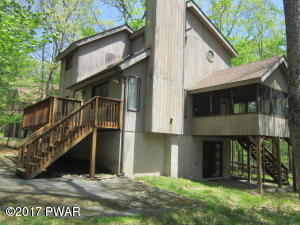 136 Rainbow Dr, Lackawaxen, PA 18435