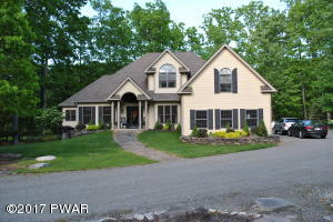 134 Yacht Club Dr, Greentown, PA 18426