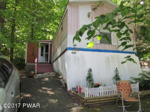 128 Hill St, Greentown, PA 18426