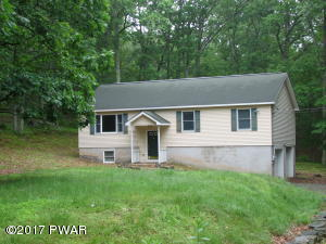 203 Upper Lakeview Dr, Hawley, PA 18428