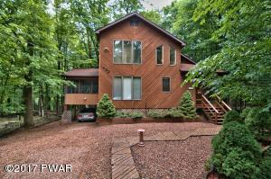 402 Lakewood Dr, Lake Ariel, PA 18436