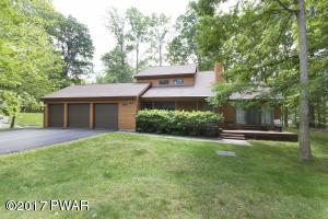 181 Eastwood Dr, Greentown, PA 18426