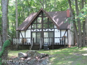 130 Lower Independence Dr, Lackawaxen, PA 18435