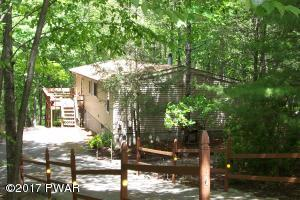 110 Blue Jay Pl, Lackawaxen, PA 18435