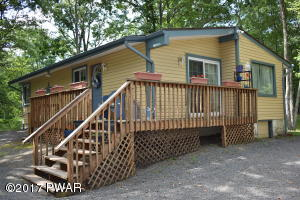 206 Lincoln Drive, Lords Valley, PA 18428