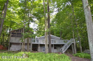 144 Lake In The Clouds Rd, Canadensis, PA 12701