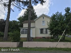 919 Hudson St, Hawley, PA 18428
