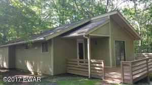 108 Farrier Ln, Lords Valley, PA 18428