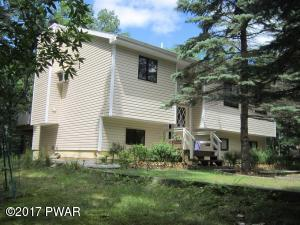 163 Powderhorn Dr, Lackawaxen, PA 18435