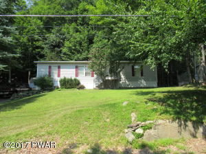 154 Oak Dr, Greentown, PA 18426