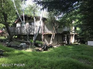 135 Pebble Rock Rd, Lackawaxen, PA 18435