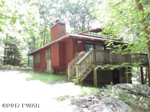 203 Canterbrook Dr, Lords Valley, PA 18428