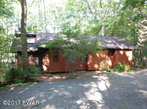 110 Portage Ln, Lords Valley, PA 18428